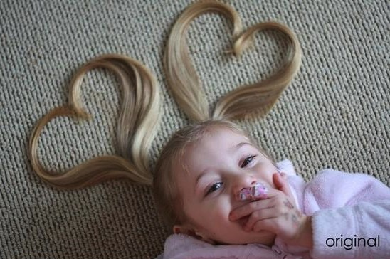 Make two ponytails on both sides and draw sweet little hearts