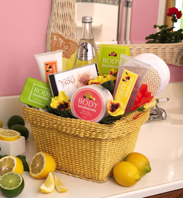 Wedding Gift Ideas For Newlyweds : You can customize this basket in any way you want